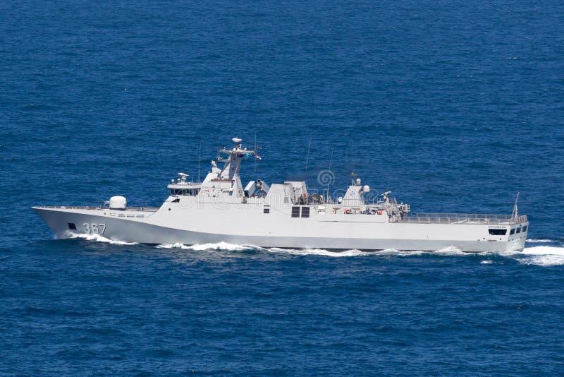 KRI Iskandar Muda 367 het korvet die van de SIGMAklasse tot de Indonesische Nationale Legermarine vertrekkend behoren Sydney Harb royalty-vrije stock afbeeldingen