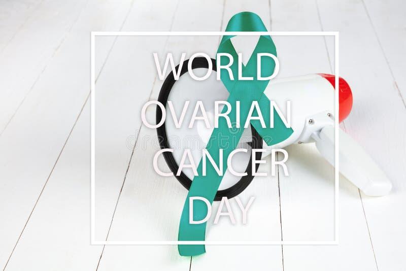 Krickaband Medvetenhet för äggstocks- cancer Sjukvård- och medicinbegrepp arkivfoton