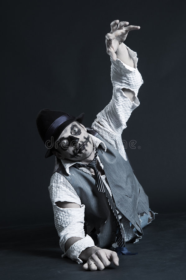 Kriechender Zombie lizenzfreie stockbilder