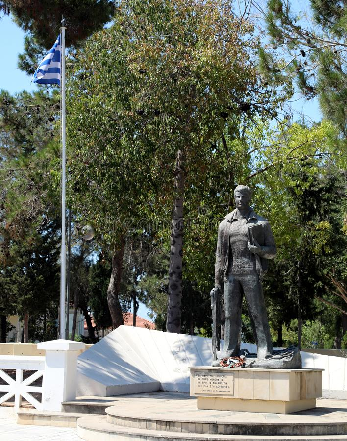 Kriegsdenkmal in den paphos Zypern lizenzfreie stockbilder