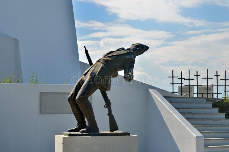 Kriegsdenkmal - Monument Ypsoma 731, Grrece lizenzfreie stockbilder