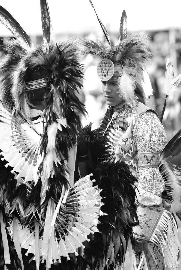 Kriegsgefangenwow Tänzer des amerikanischen Ureinwohners lizenzfreie stockbilder