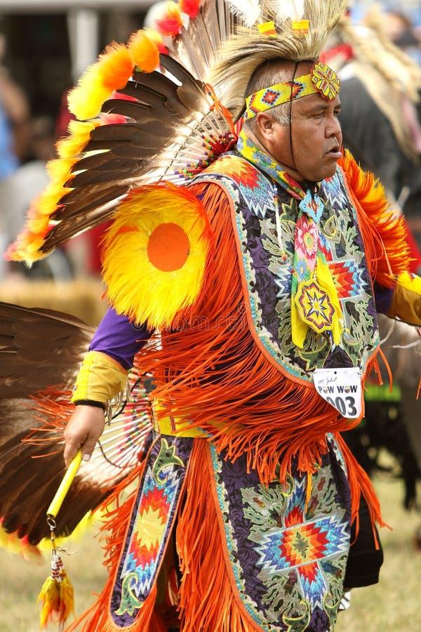 Kriegsgefangenwow Tänzer des amerikanischen Ureinwohners lizenzfreies stockfoto