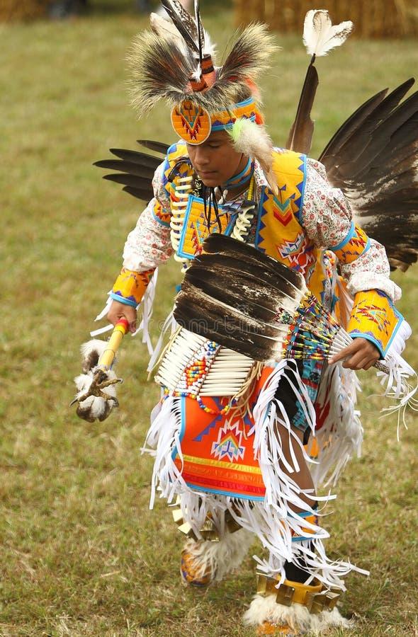 Kriegsgefangenwow Tänzer des amerikanischen Ureinwohners stockfotos