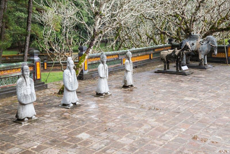 Krigare på gravvalvet av Tu Duc i Hue Vietnam royaltyfri bild