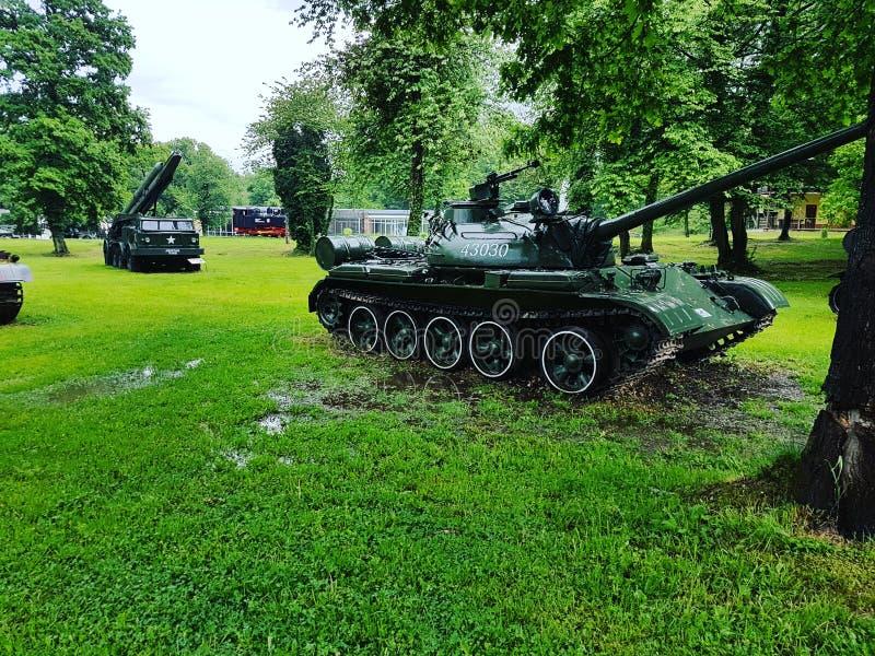 Krigbehållare på arsenalen parkerar arkivfoton