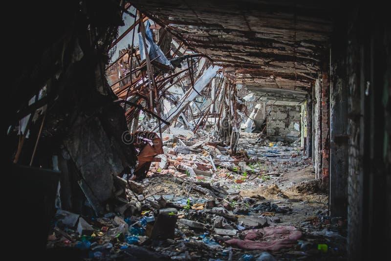 Kriget flygplats fördärvar i Donbass, interiior fotografering för bildbyråer