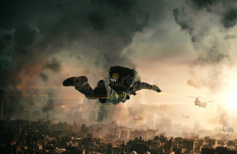 Krigsmakter med hoppa fallskärm i överkant av den förstörda staden royaltyfri bild