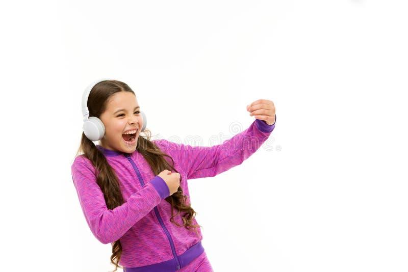 Krijg muziekabonnement Toegang tot miljoenen liederen Geniet overal van muziek De beste muziek apps dat verdient luistert Meisje stock foto