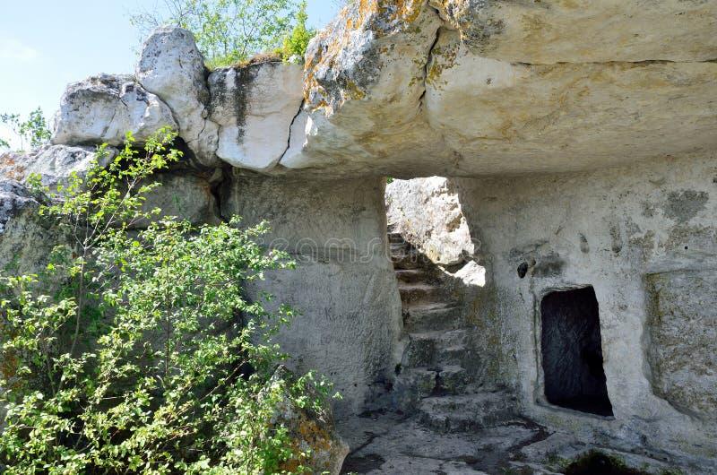 Krim, der Höhlenstadt Mangup-Kohl stockfotografie