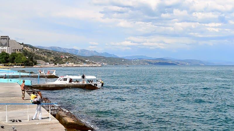 Krim landskap nära Black Sea i Alushta, Ukraina, lager videofilmer