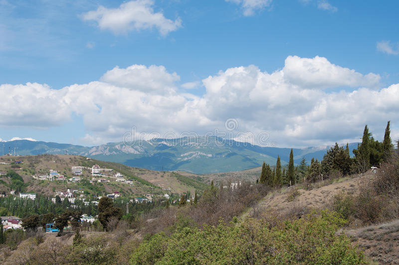Krim rotsachtig landschap, mening van bergketen Demerdzhi royalty-vrije stock fotografie