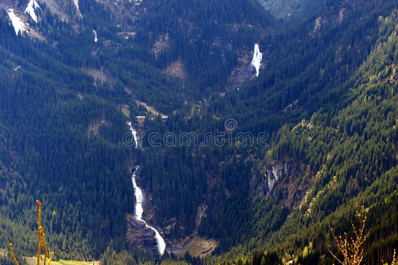 Krimml vattenfall på det Gerlos passerandet, österrikiska fjällängar, Österrike royaltyfri fotografi
