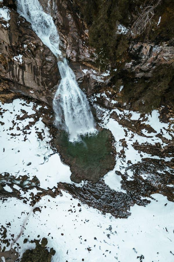 Krimmler vattenfall under vinter, från över royaltyfri foto