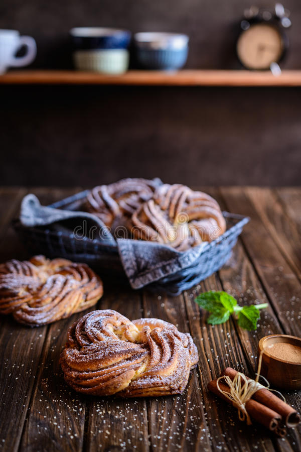 Kringle - het Estlandse brood van de kaneelvlecht royalty-vrije stock afbeelding