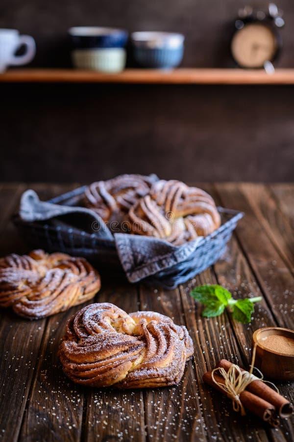 Kringle - pain estonien de tresse de cannelle image libre de droits