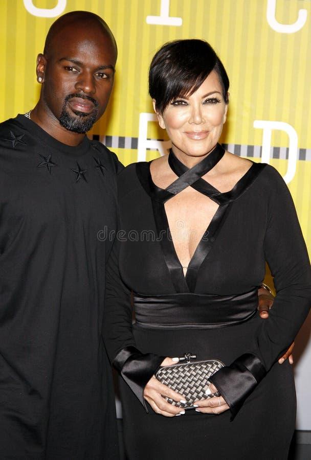 Kris Jenner e Corey Gamble foto de stock royalty free