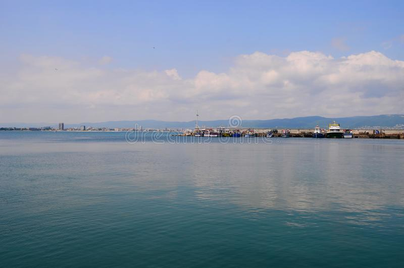 Kristallbl?tt Black Sea i den BulgarienNessebar ?n arkivfoto