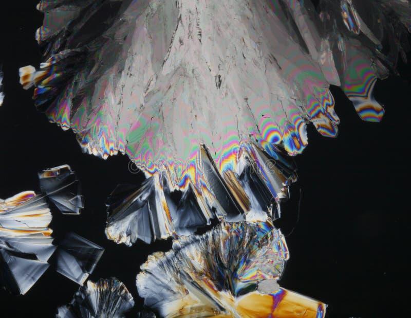 Kristalle in polarisierter Leuchte stockbilder