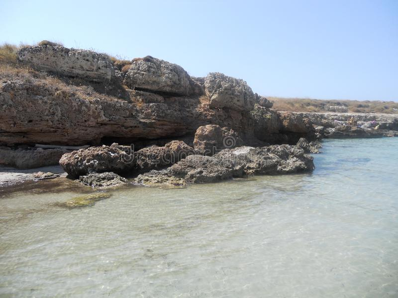 Kristallijne overzees in Puglia bij ostuni royalty-vrije stock foto's