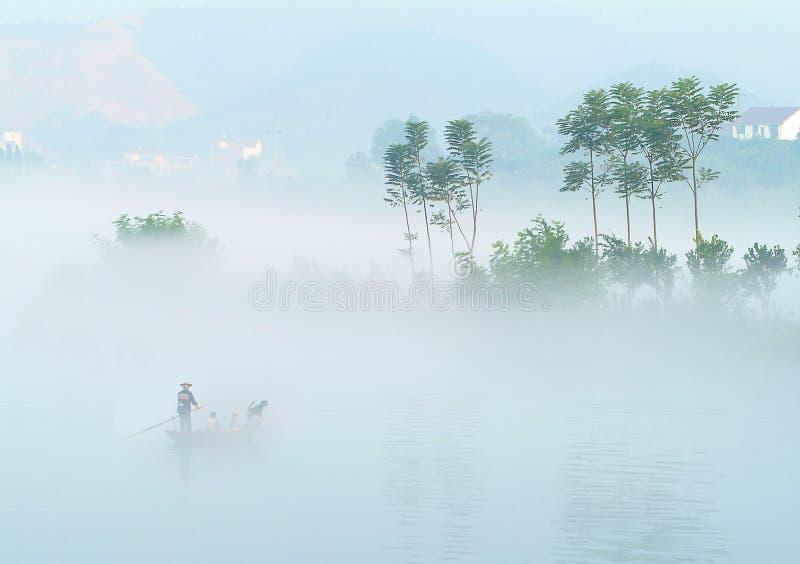 kristallklar mist för 4 lake över royaltyfri foto
