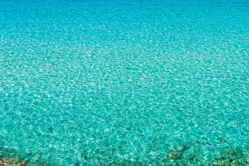 Kristallklart havsvatten royaltyfri bild