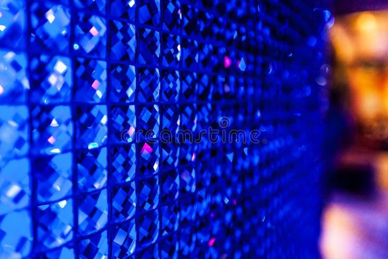 Kristalmuur in een nachtclub stock foto