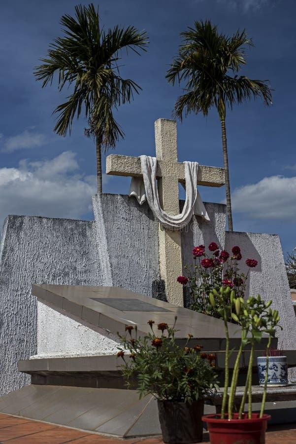 Kristen gravvalv i Vietnam arkivbild