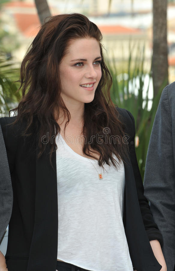 Kristen Stewart. At the photocall for her new movie On The Road in competition at the 65th Festival de Cannes. May 23, 2012 Cannes, France Picture: Paul Smith stock photography
