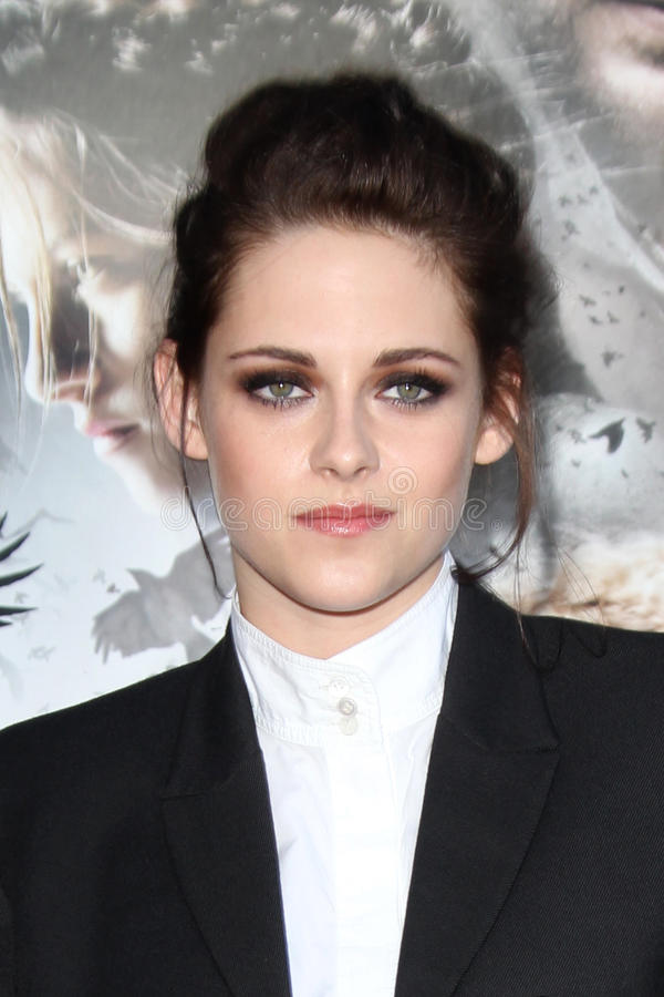Kristen Stewart. LOS ANGELES - MAY 29: Kristen Stewart arrives at the 'Snow White And The Huntsman' Los Angeles screening at Village Theater on May 29, 2012 in stock photography