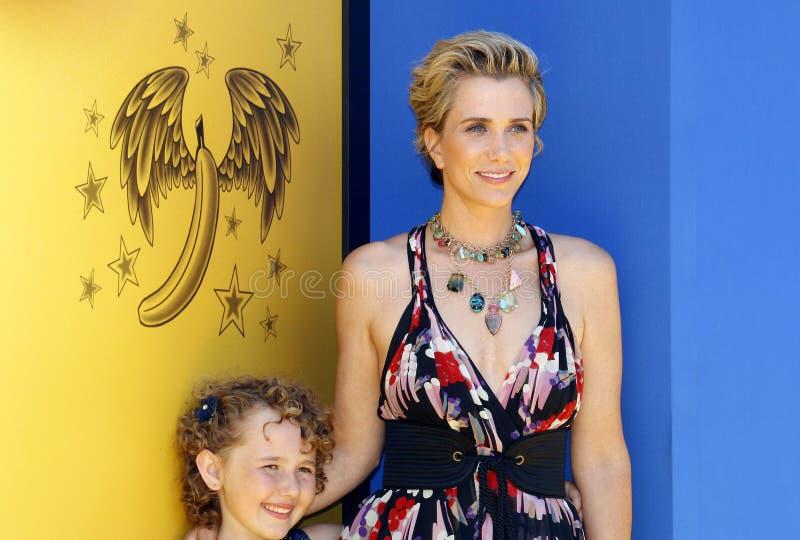 Kristen Wiig et Nev Scharrel images libres de droits