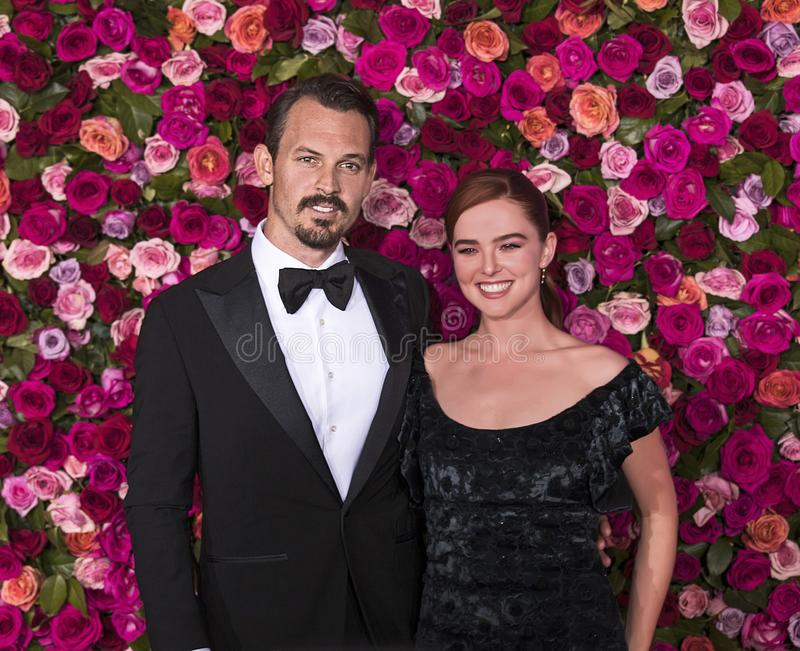 Kristopher Brock i Zoey Deutch przy 2018 nagrodami tony obraz stock