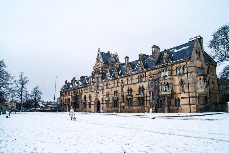Kristuskyrka, Oxford i snowen arkivbild