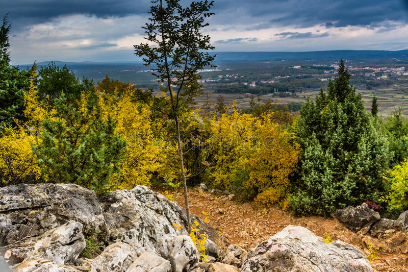 Krizevac登上的秋天颜色 图库摄影