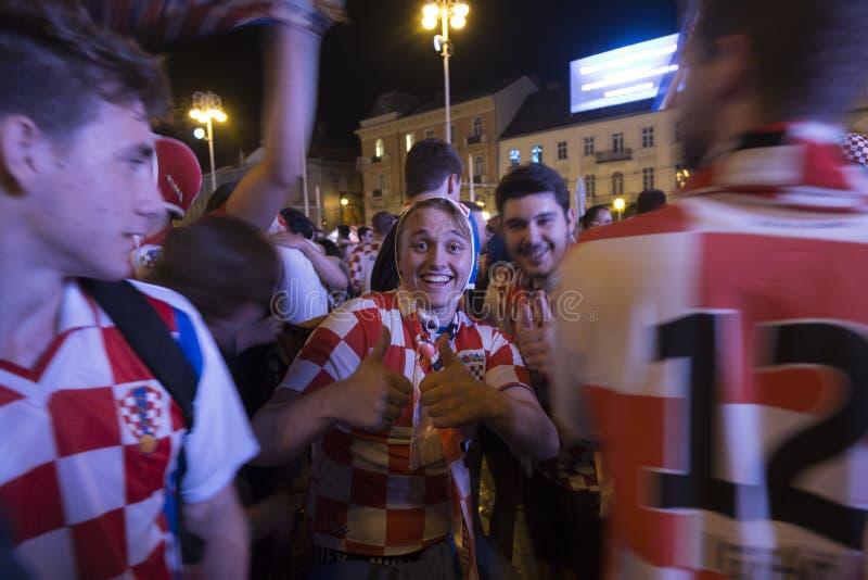 Kroat-Fans feiern Sieg über Argentinien stockfoto