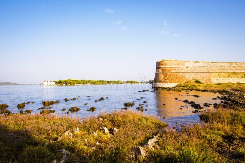 Kroatië - Zonsopgang op overzees royalty-vrije stock foto