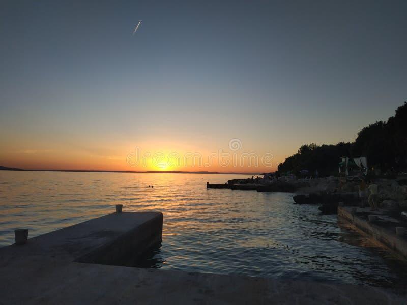 Kroatien-Sonnenuntergang magisch stockfotos