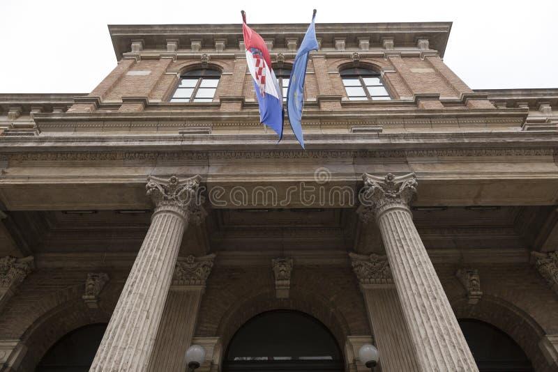 Kroatische en Europese Unie vlaggen royalty-vrije stock foto's