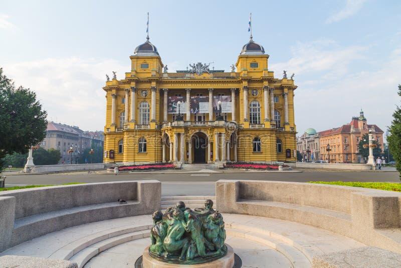 Kroatisches Nationaltheater in Zagreb stockfotos