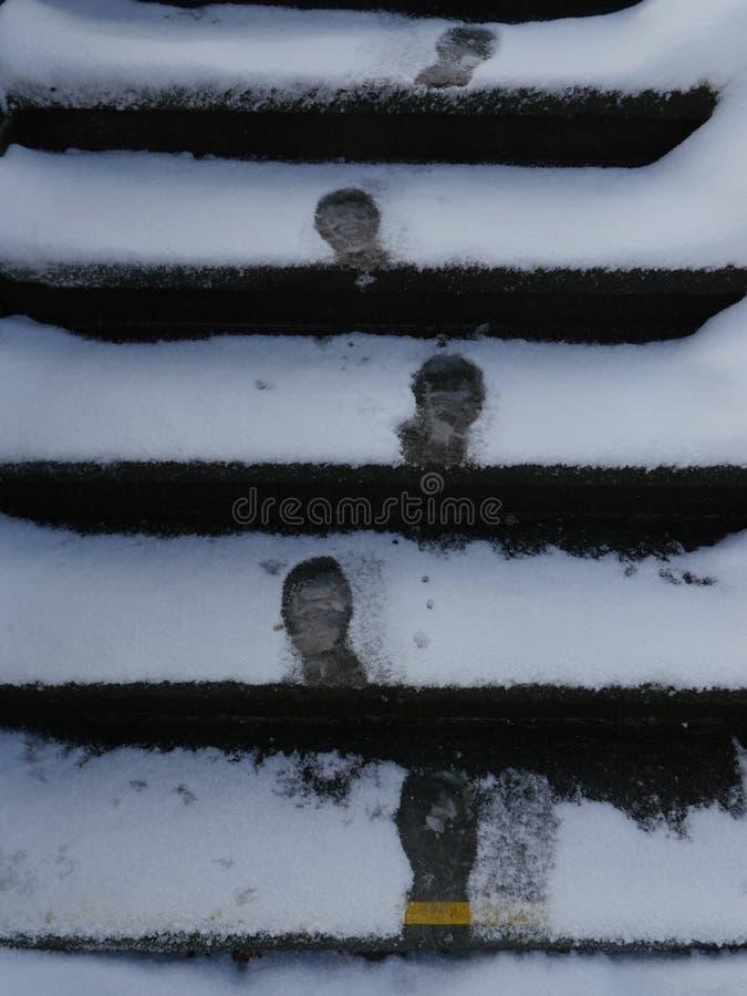 Kroki w śniegu obrazy royalty free