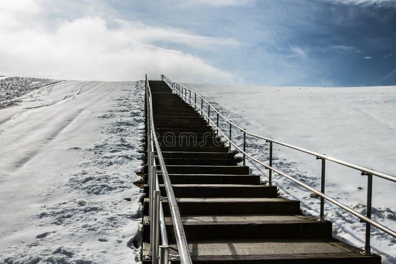 Kroki wierzchołek góra Trashmore z śniegiem obraz royalty free