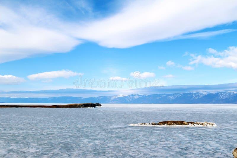 Krokodileiland in het meer van Baikal stock fotografie