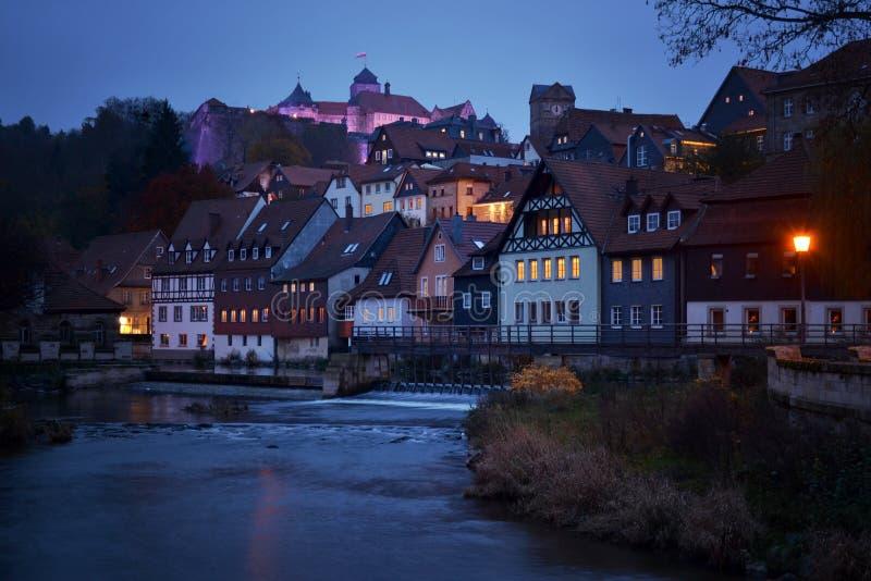 Kronach-Bayerndeutschland-Festungsgebäudeäußeres belichtete stockbild