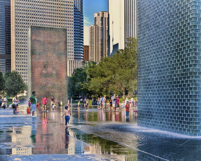 Kronaspringbrunn, milleniumPark, Chicago royaltyfri foto