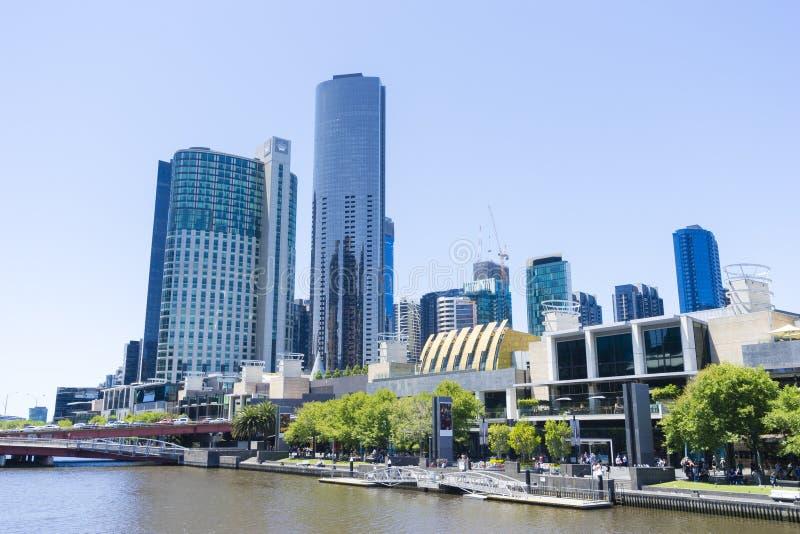 Kronen-Kasino und Unterhaltungs-Komplex in Melbourne während der Tageszeit stockbilder