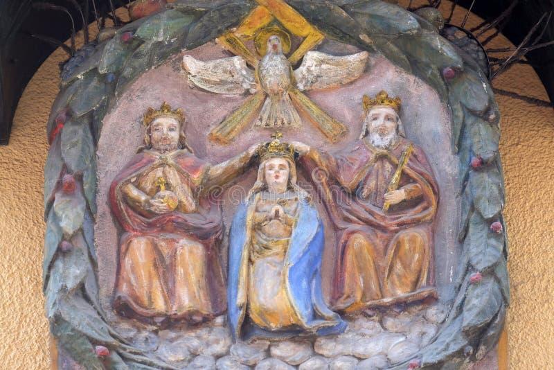 Kroning van Maagdelijke Mary stock afbeeldingen