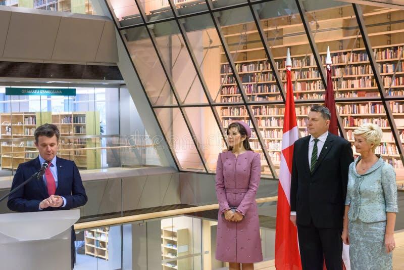 Kronprinz von Rede Dänemarks Frederik, während des Ereignisses an der Nationalbibliothek von Lettland stockfotos