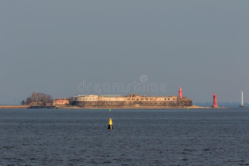 Kronshlot - el primer fuerte construido cerca de la costa meridional de Kronstadt imágenes de archivo libres de regalías