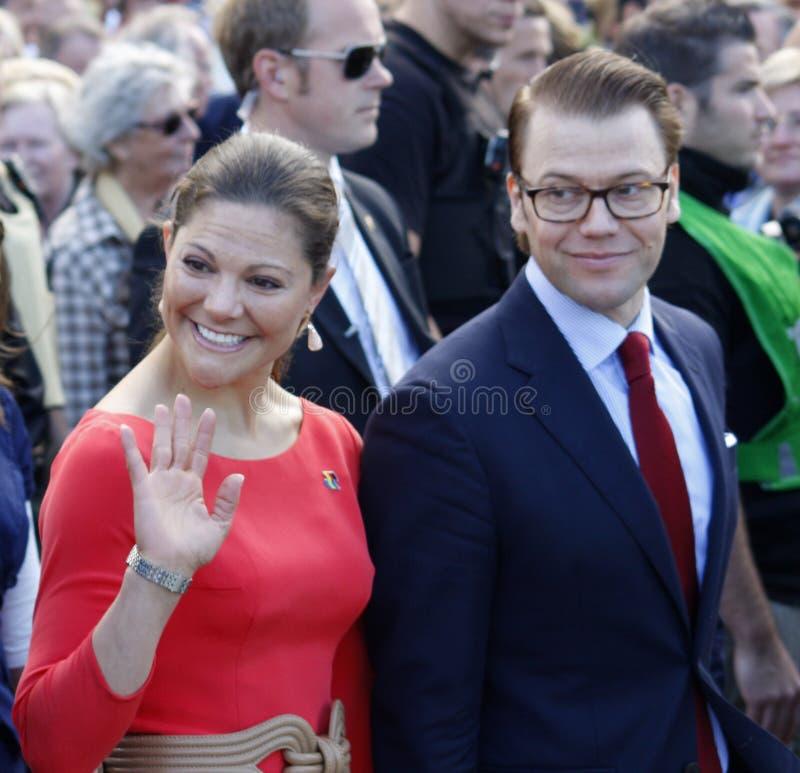Kroonprinses Victoria van Zweden met echtgenoot Dan stock foto