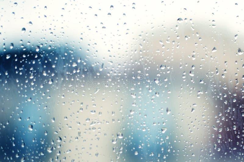 Krople deszcz Na okno jako tło dżdżysty jesień dzień zdjęcie stock